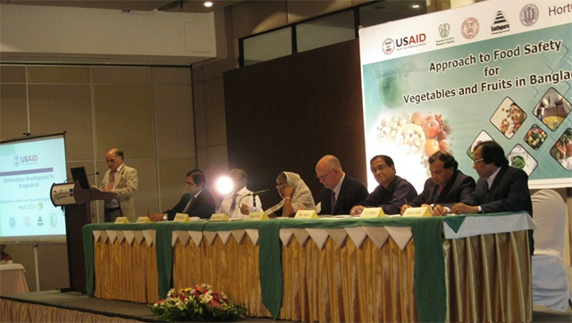 Conference speakers and panel at food safety meeting in Bangladesh
