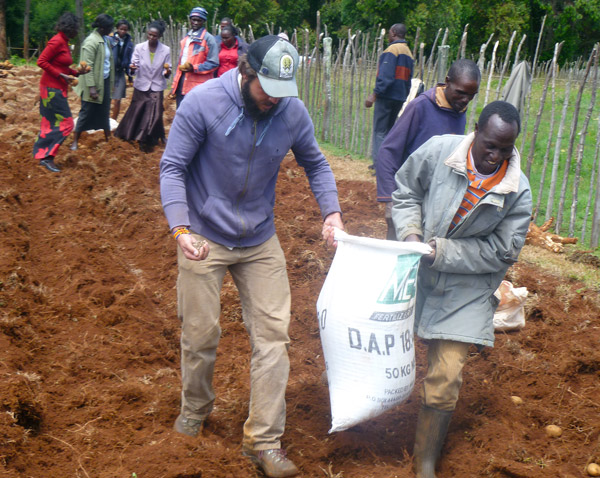 Bob Johnson, a UC Davis graduate student, worked with farmers in Kenya on potato production, for a previous Trellis Fund project.